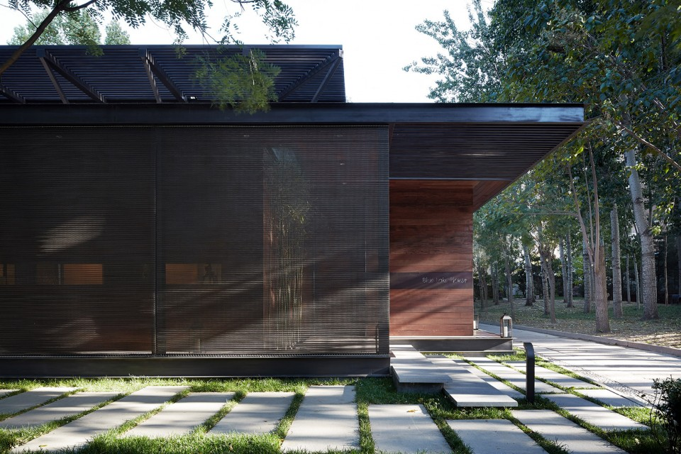 001-Blue-Lake-House-by-Fenghemucheng-art-design-27-960x640.jpg