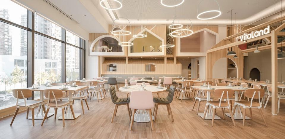 03-vitaland-kid-restaurant-childrens-treehouse-park-by-golucci-interior-architects-960x469.jpg