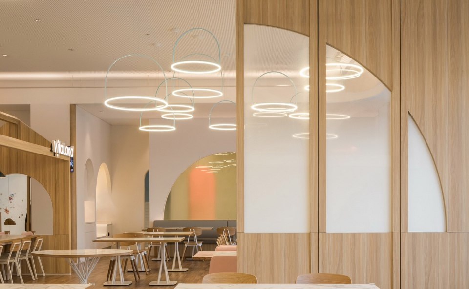02-vitaland-kid-restaurant-childrens-treehouse-park-by-golucci-interior-architects-960x593.jpg