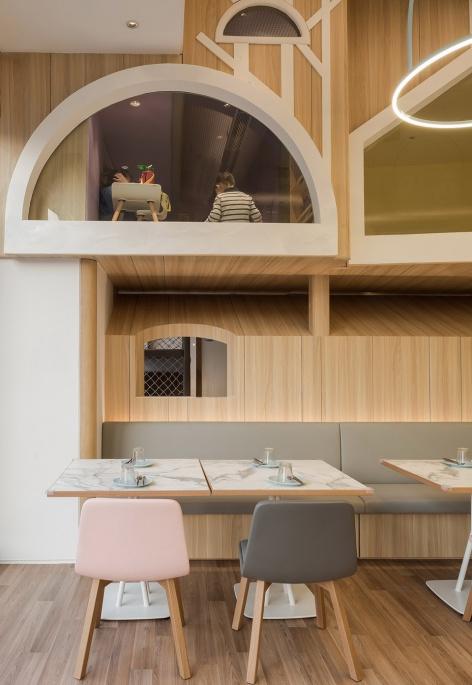 11-vitaland-kid-restaurant-childrens-treehouse-park-by-golucci-interior-architects-472x685.jpg