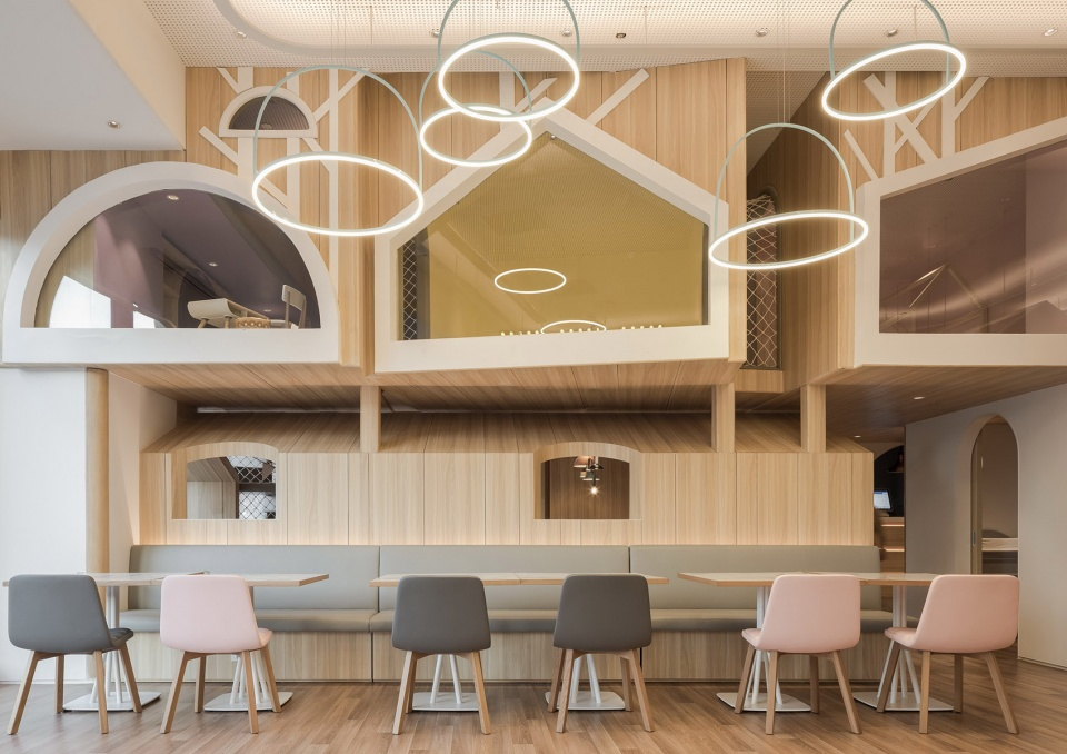 04-vitaland-kid-restaurant-childrens-treehouse-park-by-golucci-interior-architects-960x678.jpg