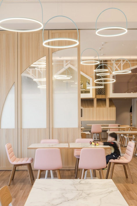 05-vitaland-kid-restaurant-childrens-treehouse-park-by-golucci-interior-architects-472x708.jpg