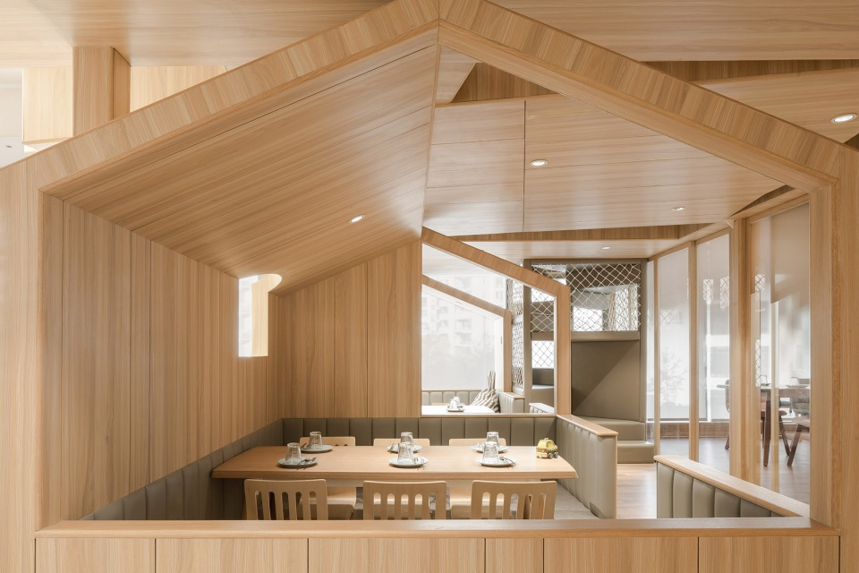 15-vitaland-kid-restaurant-childrens-treehouse-park-by-golucci-interior-architects-960x640.jpg