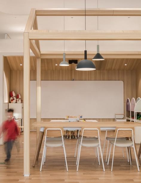 08-vitaland-kid-restaurant-childrens-treehouse-park-by-golucci-interior-architects-472x612.jpg