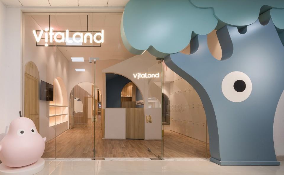 22-vitaland-kid-restaurant-childrens-treehouse-park-by-golucci-interior-architects-960x590.jpg