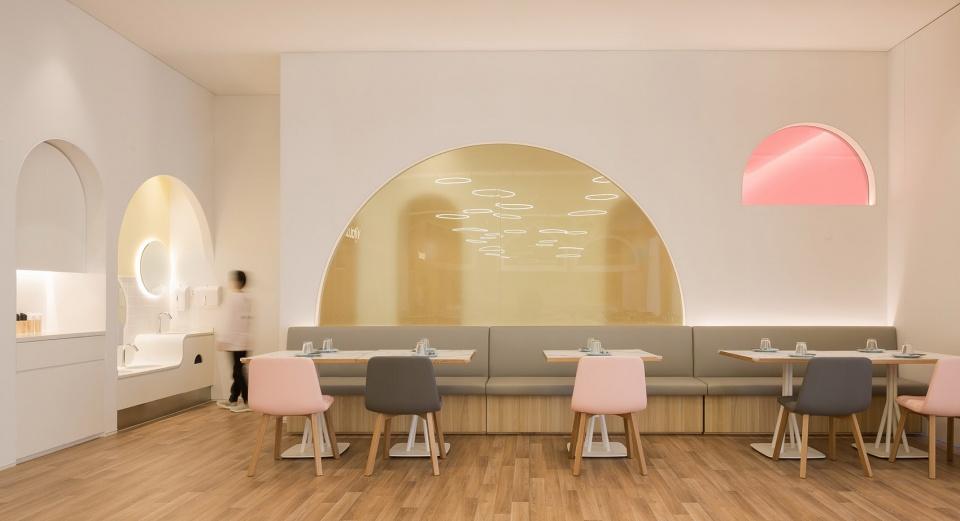 19-vitaland-kid-restaurant-childrens-treehouse-park-by-golucci-interior-architects-960x521.jpg