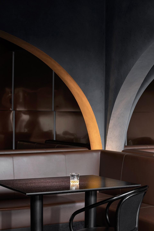 024-mint-garden-bar-china-by-hou-tiantian-li-cheng-liu-xiaolu-960x1440.jpg