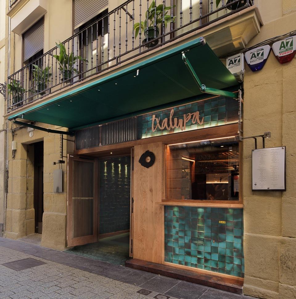 2-txalupa-gastroleku-restaurant-by-el-equipo-creativo-960x970.jpg