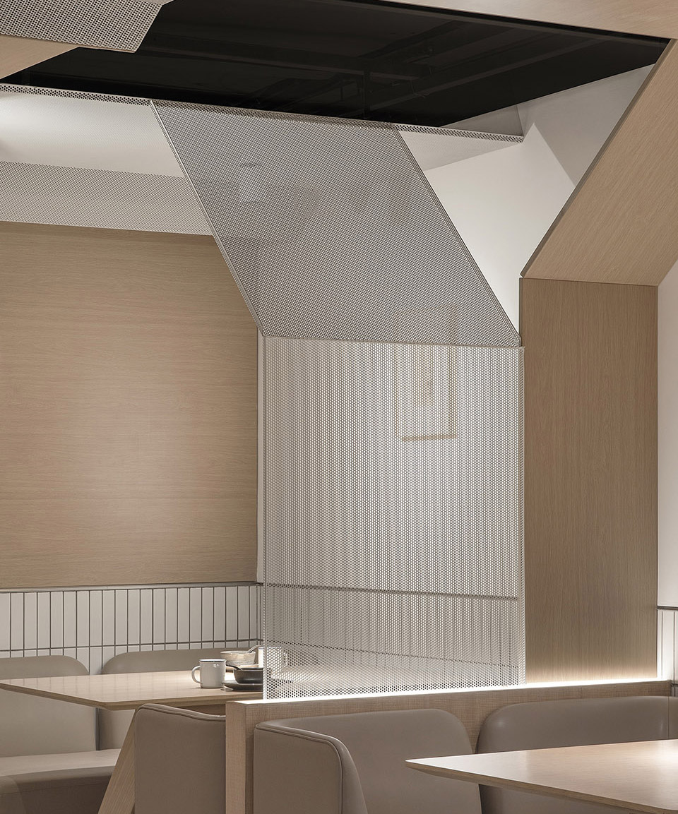 033-goose-hut-home-bistro-china-by-golucci-interior-architects.jpg