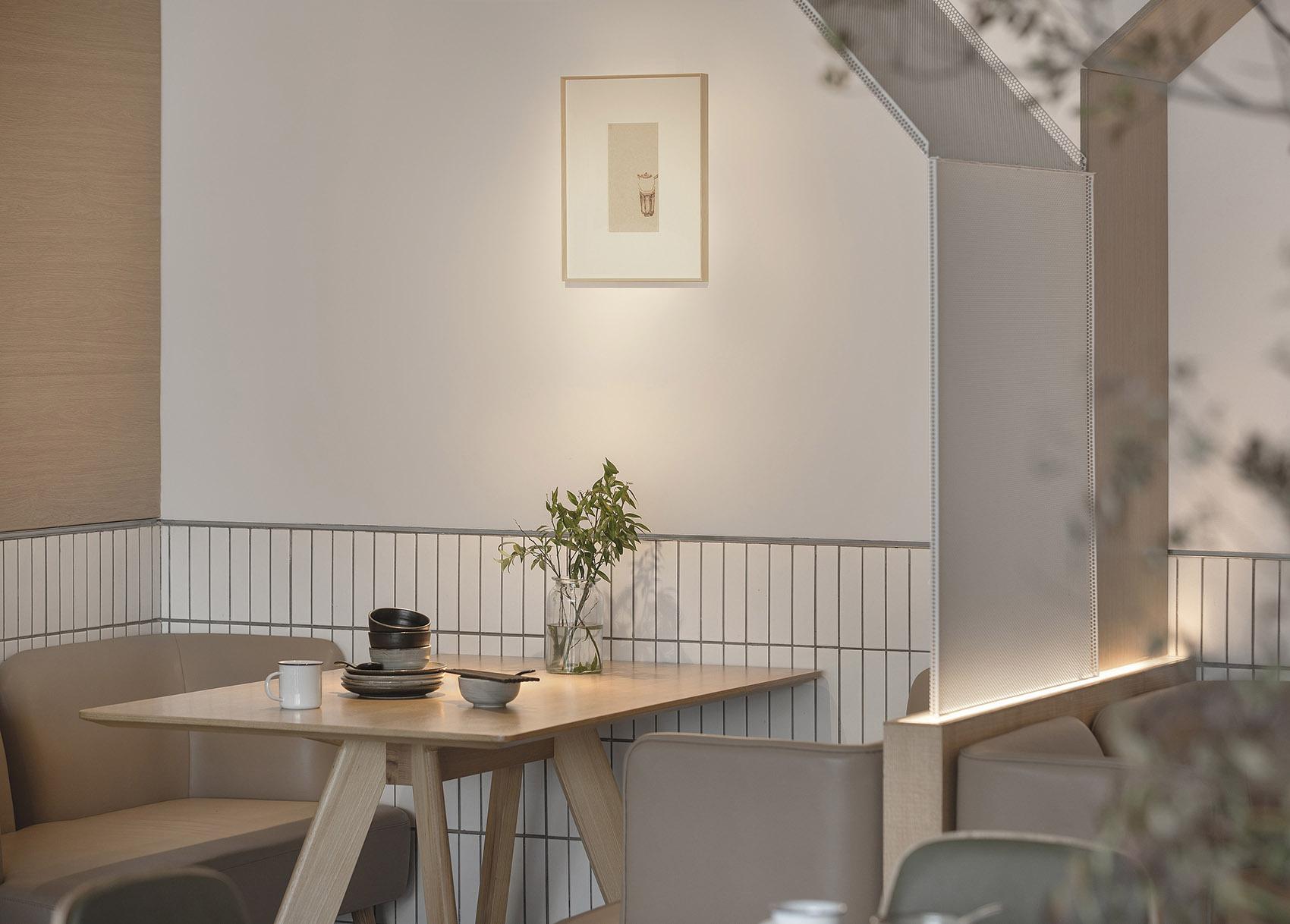 004-goose-hut-home-bistro-china-by-golucci-interior-architects.jpg