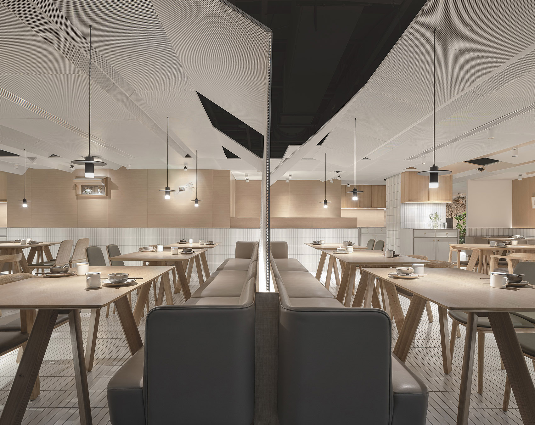 019-goose-hut-home-bistro-china-by-golucci-interior-architects.jpg