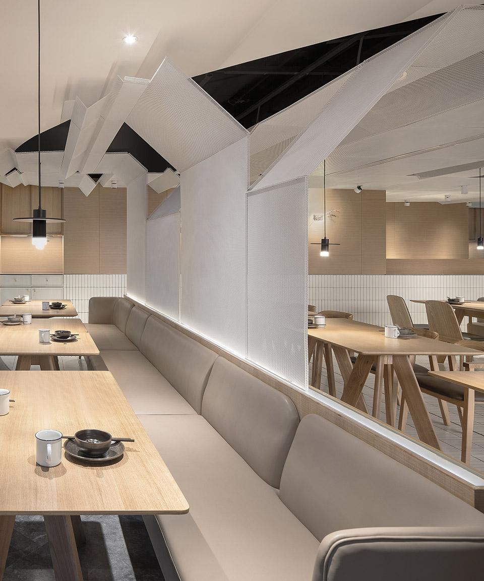 027-goose-hut-home-bistro-china-by-golucci-interior-architects.jpg