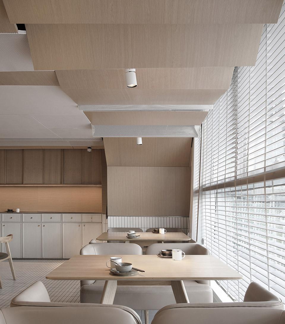 005-goose-hut-home-bistro-china-by-golucci-interior-architects.jpg