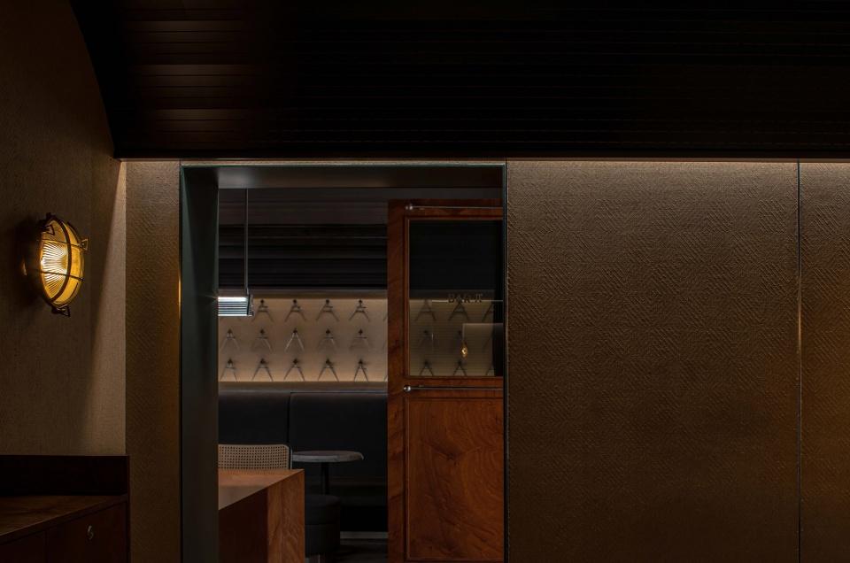 013-bar-pai-china-by-iz-design-studio-960x636.jpg