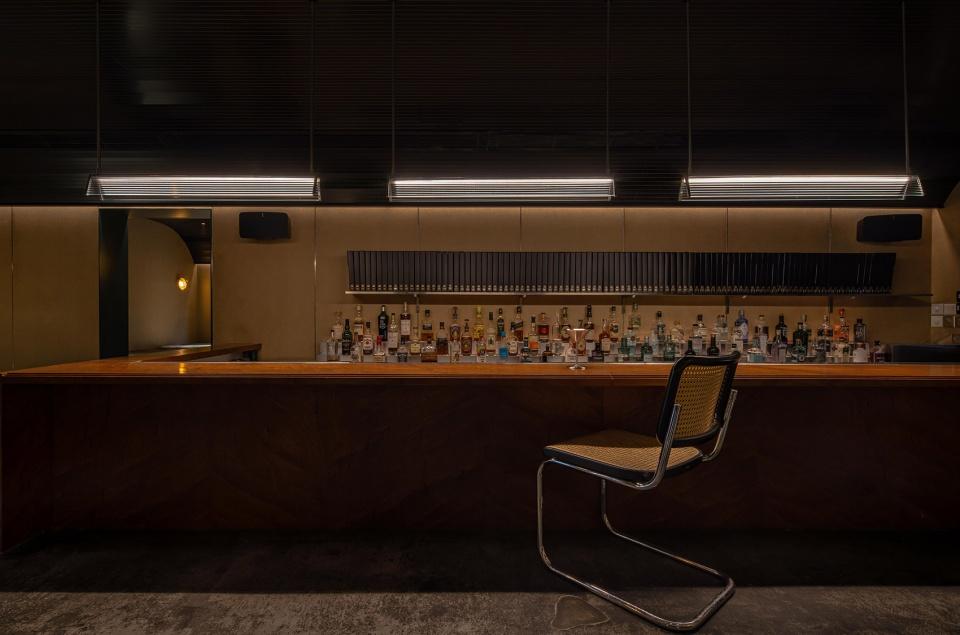 002-bar-pai-china-by-iz-design-studio-960x635.jpg