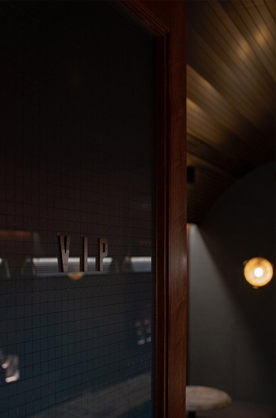 040-bar-pai-china-by-iz-design-studio-960x1455.jpg
