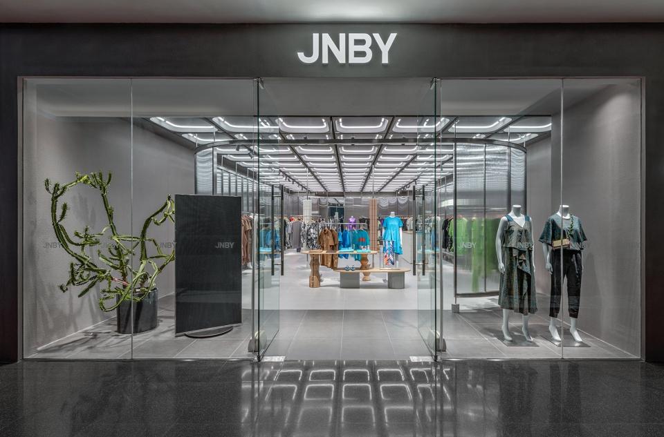 02-JNBY-Store_Linehouse-960x633.jpg