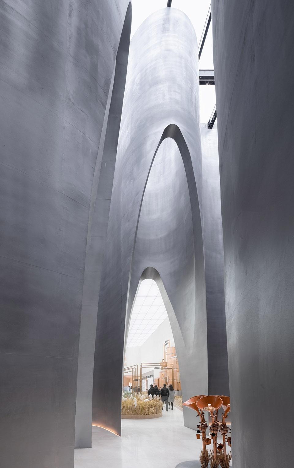 007-the-flow-of-grain-beer-museum-by-waterfrom-design-960x1526.jpg