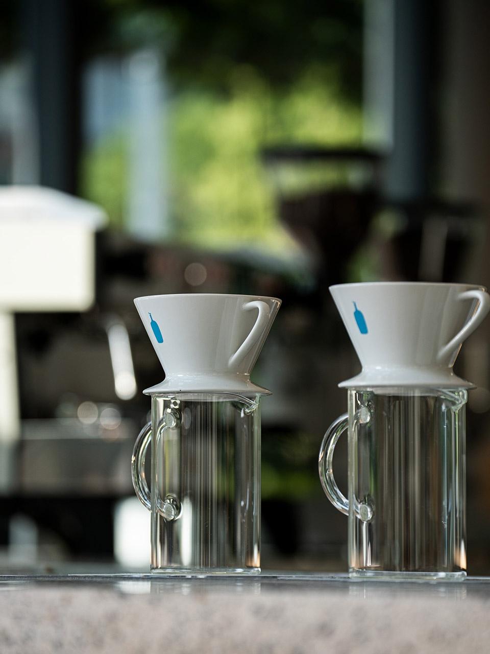 57-Blue-Bottle-Coffee-MinatoMirai-Cafe_Keiji-Ashizawa-Design-960x1280.jpg