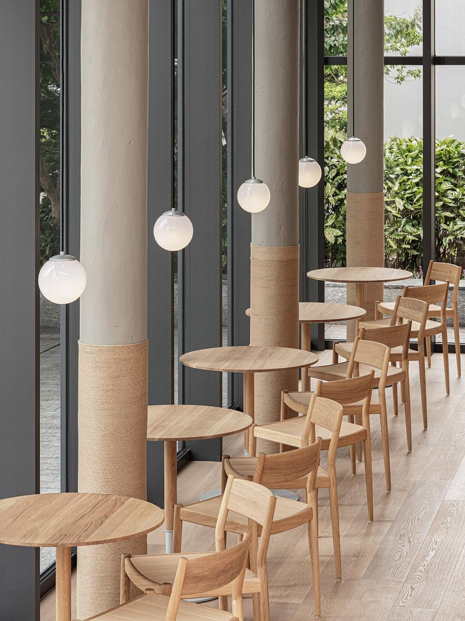 15-Blue-Bottle-Coffee-MinatoMirai-Cafe_Keiji-Ashizawa-Design-960x1280.jpg