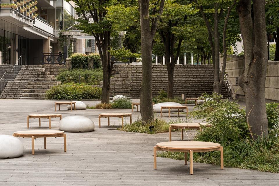 04-Blue-Bottle-Coffee-MinatoMirai-Cafe_Keiji-Ashizawa-Design-960x640.jpg