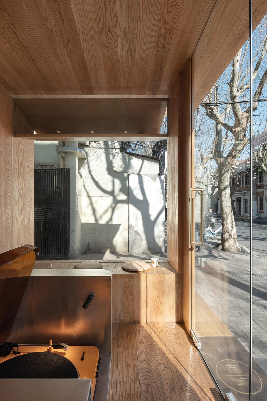 015-yijian-cafe-china-by-golucci-interior-architects.jpg