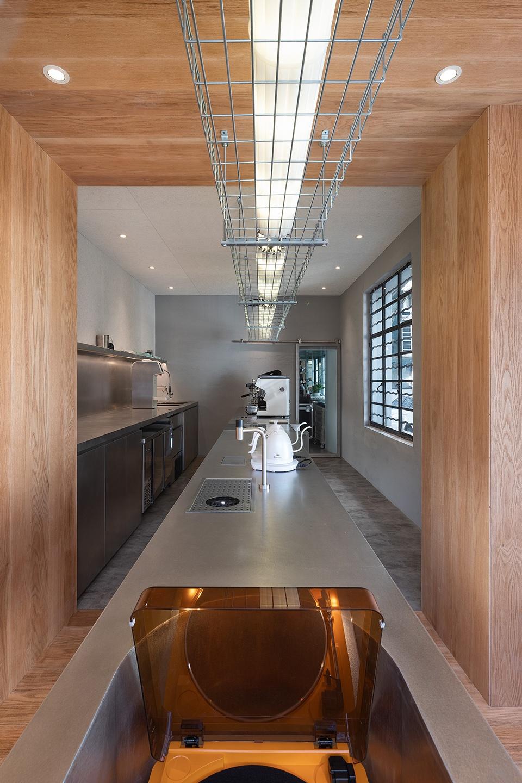 014-yijian-cafe-china-by-golucci-interior-architects-960x1440.jpg