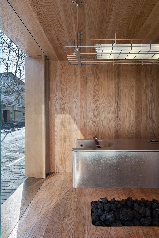 013-yijian-cafe-china-by-golucci-interior-architects-960x1440.jpg