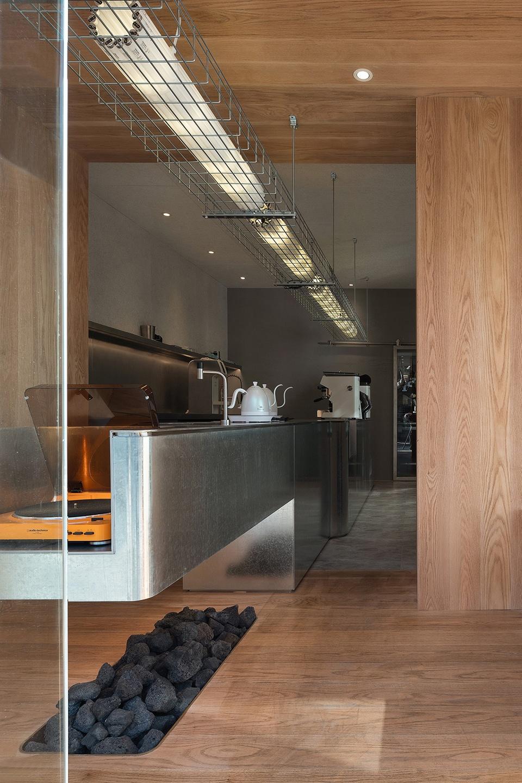 035-yijian-cafe-china-by-golucci-interior-architects-1-960x1440.jpg
