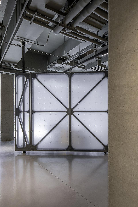 09-Mumokuteki-Concept-Bookstore_LUO-studio-960x1440.jpg