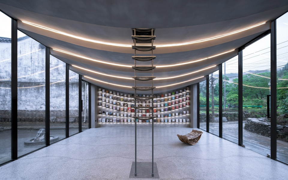 053-bridge-gallery-shanghai-joint-publishing-company-bookstore-at-taoyuan-huangshan-by-atelier-lai-960x599.jpg