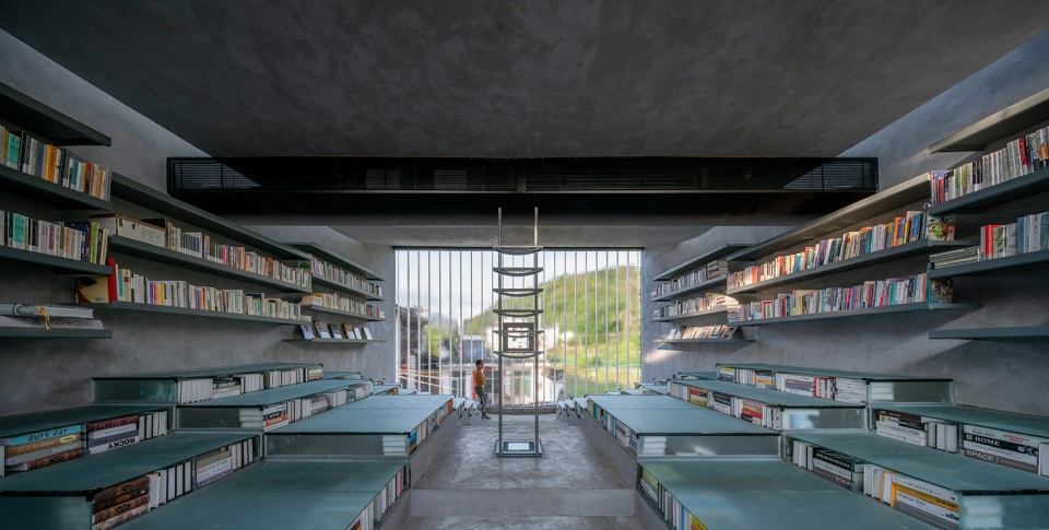 028-bridge-gallery-shanghai-joint-publishing-company-bookstore-at-taoyuan-huangshan-by-atelier-lai-960x485.jpg