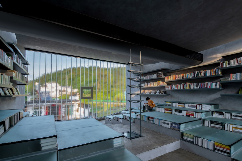 025-bridge-gallery-shanghai-joint-publishing-company-bookstore-at-taoyuan-huangshan-by-atelier-lai-960x640.jpg